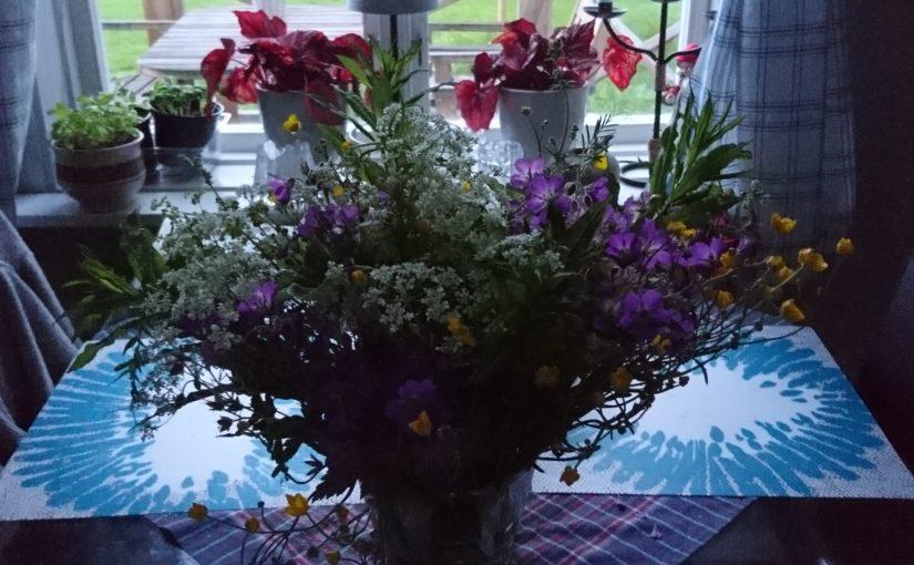 Sommarblommor, plocka blommor, blombukett